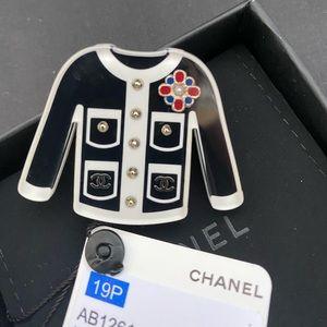 Chanel CC cardigan Brooch New  Pin resin